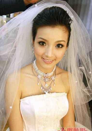 新娘早妆 胖新娘早妆发型 胖mm适合的新娘发型