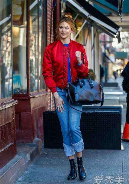 红黑搭配 红色衣服配什么裤子 这样穿最吸睛
