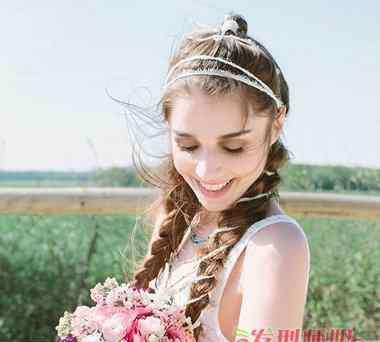 森林系婚纱照 女生森系中长发编发发型 森林系婚纱照发型