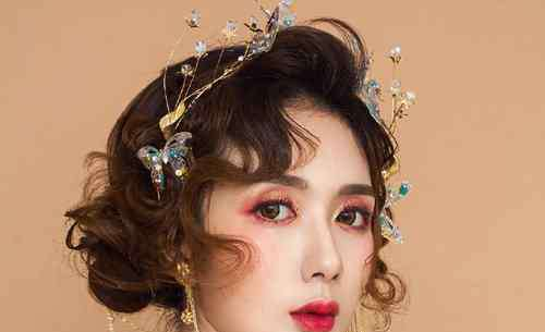 欧美复古发型 多少人情迷十八世纪欧美宫廷复古风盘发发型 现代女孩彩妆发型必备复古盘发图解