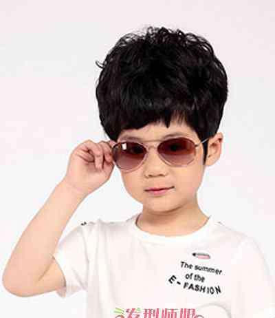 酷5 四五岁男孩理什么发型比较酷 五岁男宝宝时尚发型