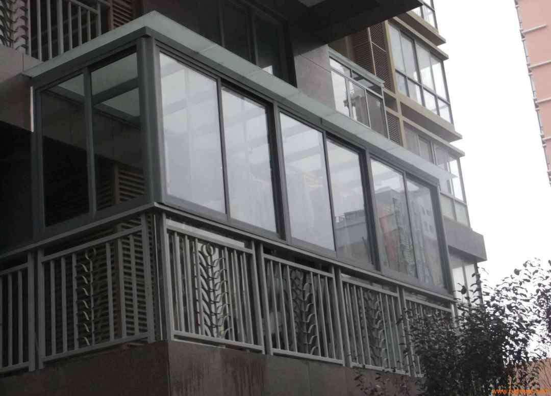 封闭小区合法吗 小区阳台可以封起来吗 合法吗