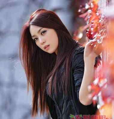 葡萄红染发剂 葡萄红色头发适合多大的女生 2018流行大胆的头发颜色