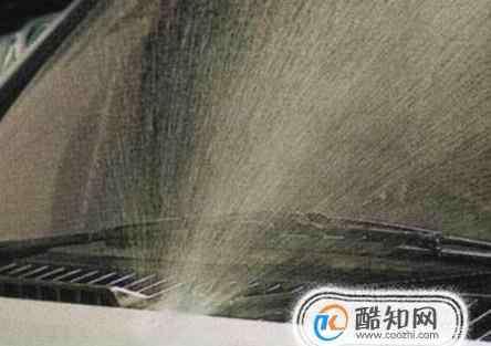 玻璃水喷不出来是怎么回事 汽车喷不出玻璃水怎么办