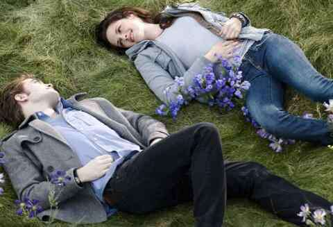 已婚男人越爱越躲避 已婚男人越爱越躲避的原因 男人为什么不敢接近对方