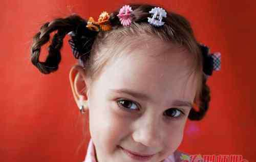儿童100种编辫子的方法 100种小女孩扎辫子图解让儿童发型不单调 5款超越级辫子甩普通编发十条街