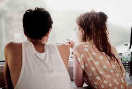 男女话题 男女聊天到什么程度算暧昧 一些话题在暧昧时会自然聊起