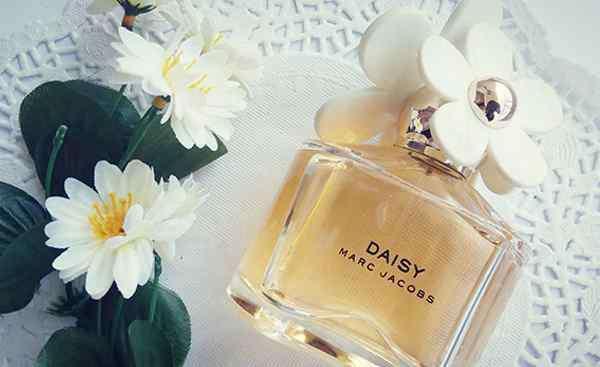 魅惑香水 让男人上瘾的10款最魅惑香水,香奈儿19号上榜