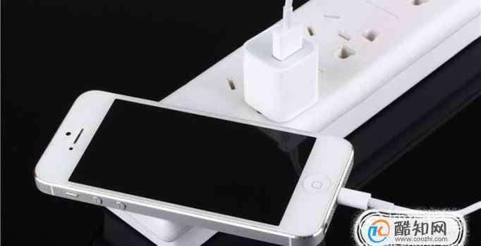 充电玩手机 充电时玩手机为什么会触电身亡