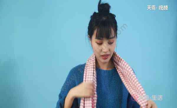 围脖的各种围法 围巾的各种围法 最简单好看的围巾围法