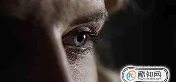 右眼下眼皮跳 眼皮跳有预兆,左眼皮跳 右眼皮跳