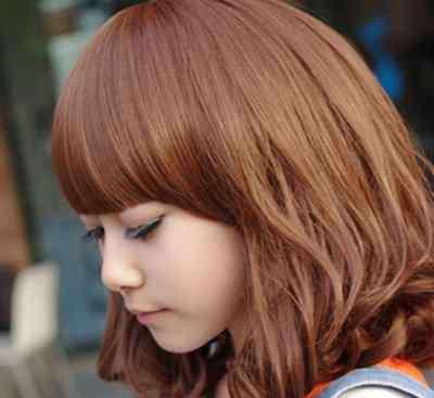 脖子短适合什么发型 脖子短脸圆的人适合什么发型呢?教你选择适合的发型
