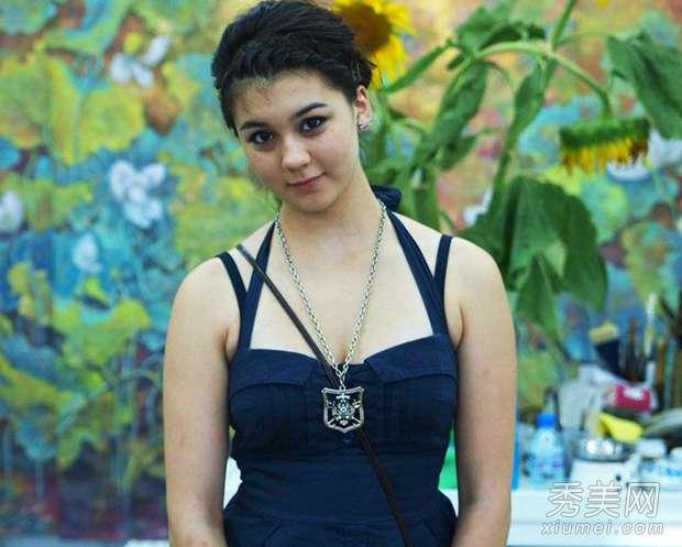 张铁林的女儿 张铁林23岁混血女儿曝光 胸大腿长性感美艳