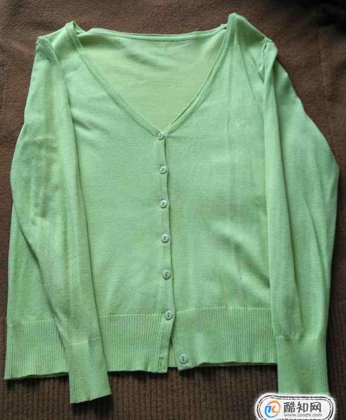 毛衣怎么挂不变形 怎样挂毛衣不变形肩部不起角的方法