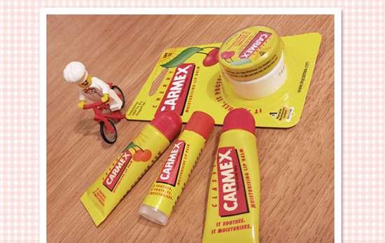 小蜜缇润唇膏 小蜜缇润唇膏怎么样 平价的CARMEX也有它风靡的理由