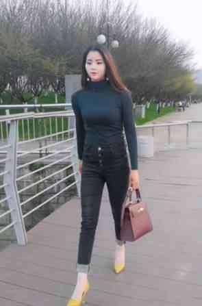 小脚牛仔裤 小脚牛仔裤与高跟鞋的搭配,别人穿起来这么好看!