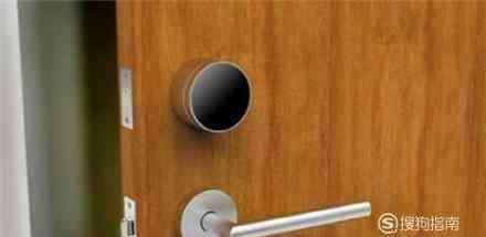 房间门反锁了开锁技巧 没带钥匙房门反锁怎么办
