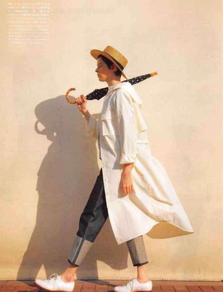 你的风衣 你的风衣是怎么穿的?一件经典款度春秋,永不过时