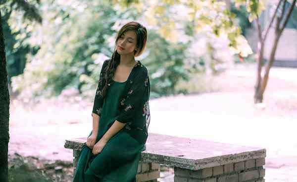连衣裙搭配 秋季连衣裙搭配什么外套好看 N种搭配疯狂吸晴美翻你