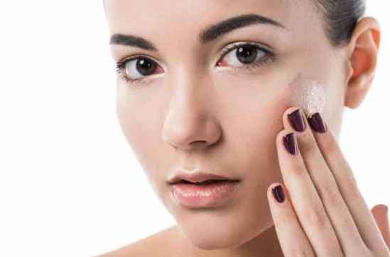 秋季护肤重点 秋季护肤重点在补水 女生皮肤保养四步骤