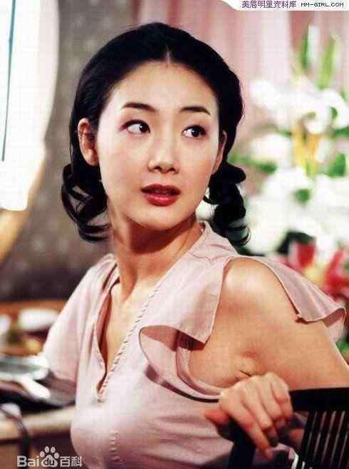 """尹素伊 她是悲情女主角,身患""""绝症""""无数,美超萧蔷时隔7年重回银幕!"""