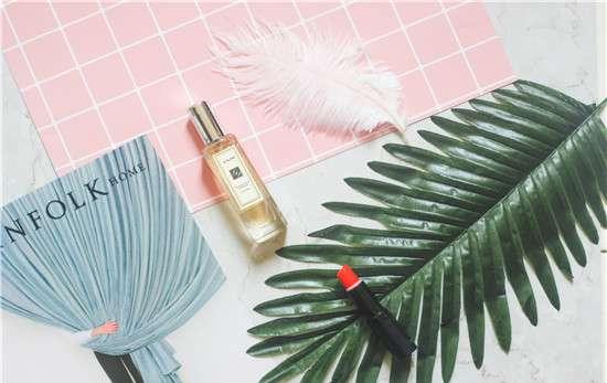 透明质酸钠的功效与作用 透明质酸钠在化妆品中的作用 常见的化妆品成分有什么作用