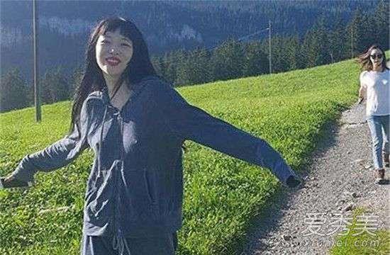 崔雪莉ktv照片事件 崔雪莉放飞自我是什么意思 崔雪莉放飞自我真空照