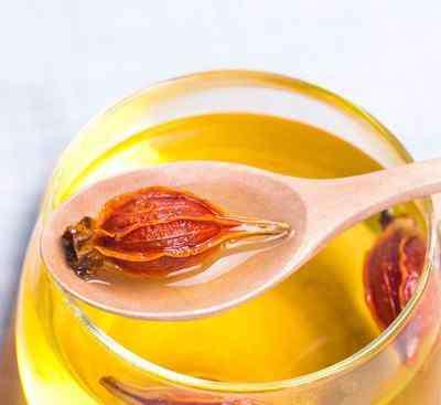 黄柏泡水喝的功效 黄栀子泡水喝的功效