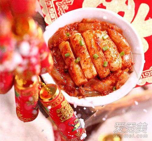 韩国炒年糕 韩国炒年糕用的是哪种酱 年糕和什么一起炒好吃