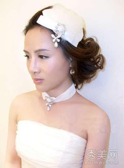 齐刘海的新娘发型 6款新娘盘发 齐刘海活泼低发髻高贵
