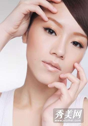 为什么越化妆素颜越丑 5个彩妆死角 让妆容越化越丑