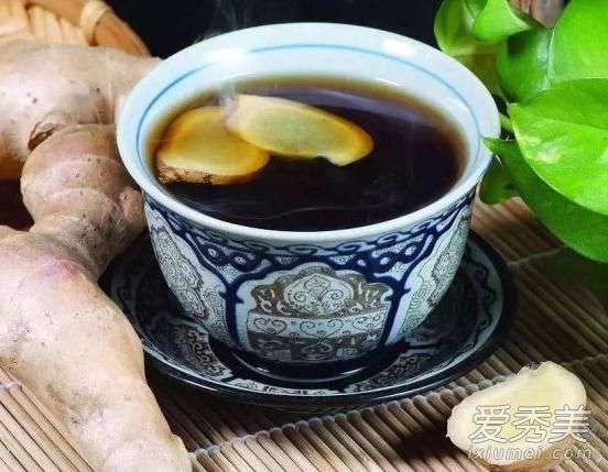 陈醋泡姜的功效与作用 醋泡姜的做法及功效与作用 醋泡姜用什么醋最好