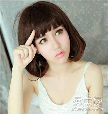 女生齐刘海短发 女生短发发型图片 齐刘海短发很可爱