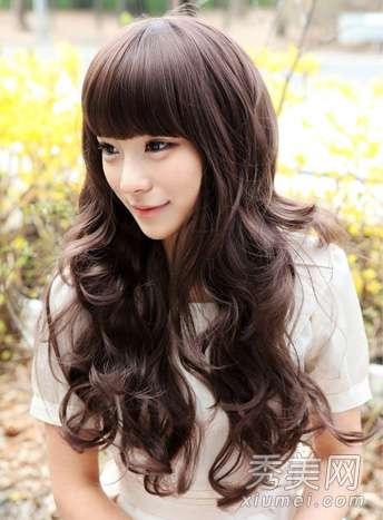 圆脸适合的卷发发型 8款圆脸适合的长卷发发型图片