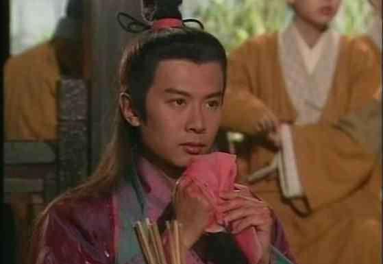 林平之扮演者 96版《笑傲江湖》林平之扮演者何宝生现状揭秘 如今剃光头出家