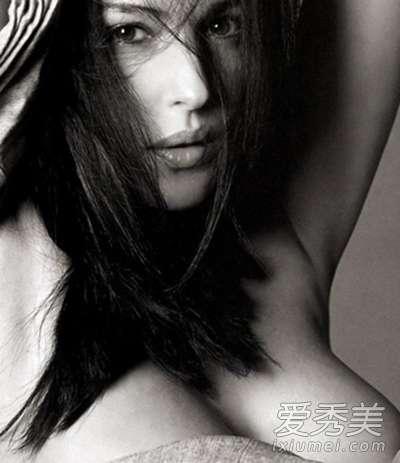 美女胸部的乳头的样子 从女人乳房的形状判断她性格