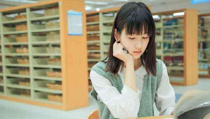 陈都灵男友 陈都灵男友是刘宪华吗 陈都灵证件照意外走红被质疑整容