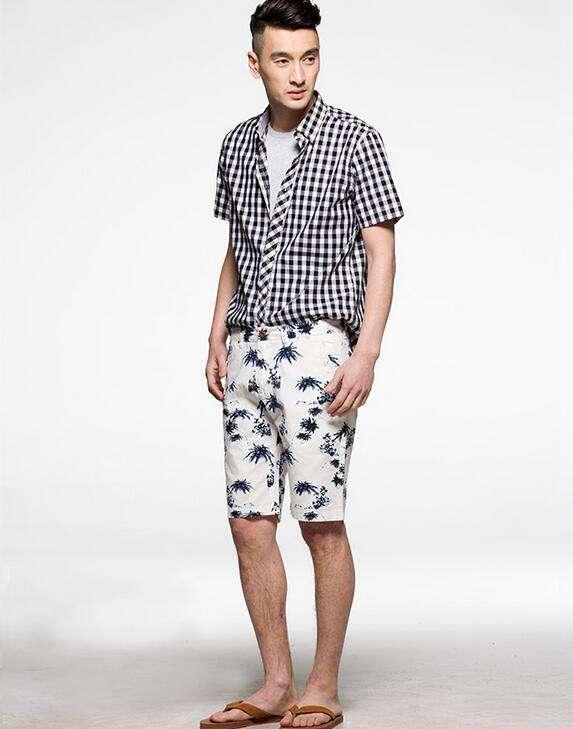 男士休闲格子衬衫 时尚休闲的男士格子衬衫搭配