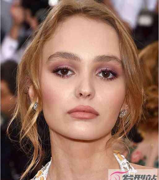 长方脸适合什么发型 长方形脸适合什么发型 不知道选发型的你看完这些你就懂