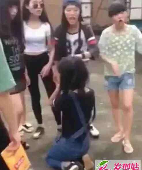 永新拖鞋妹 永新初中女生打人拖鞋妹陈诗云97自摸1分钟视频截图流出