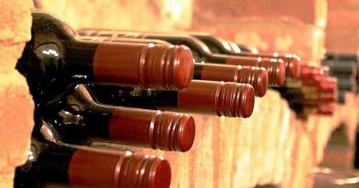 红酒瓶塞怎么取出来 红酒木塞断了怎么取出 红酒木塞断了如何取出