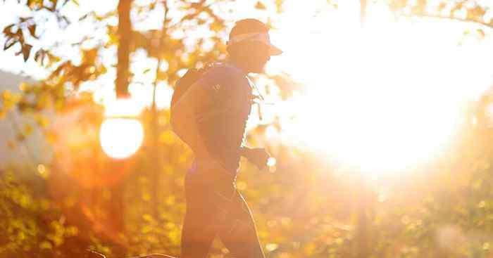 吃完饭多久可以跑步 饭后半小时可以跑步吗 饭后多久可以跑步