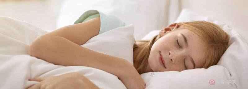 不枕枕头睡觉好吗 睡觉不枕枕头好吗 睡觉不枕枕头有什么影响