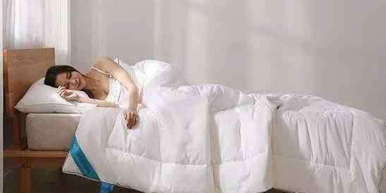 半夜出汗是什么原因女 半夜出汗的原因有哪些?半夜出汗怎么办?