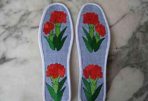 人工绣的鞋垫花样图片 十字绣鞋垫花样图纸十字绣鞋垫的图案