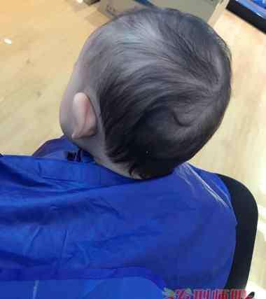 胎毛什么时候掉 宝宝胎毛一定要剃掉吗 第一次剃胎毛什么时候