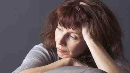 女人更年期什么症状 女性更年期有什么典型症状 女性更年期症状吃什么能缓解