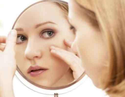 女人脸上长斑怎么调理 脸上长斑吃什么好调理 脸上长斑的原因 脸上长斑怎么办