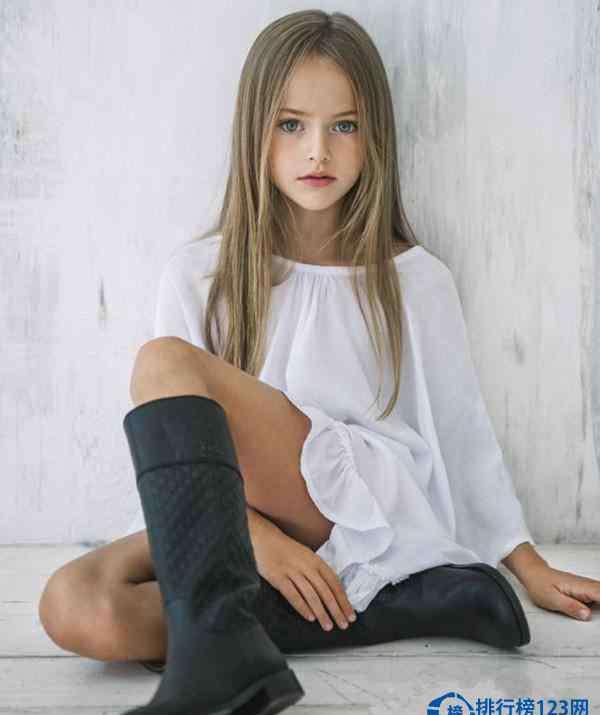 世界的美少女 世界第一美少女仅9岁 颜值超高名副其实的世界嫩模