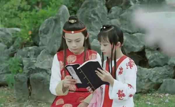 薛宝钗扮演者 小戏骨版红楼梦薛宝钗是谁演的?薛宝钗扮演者钟宝儿个人资料照片